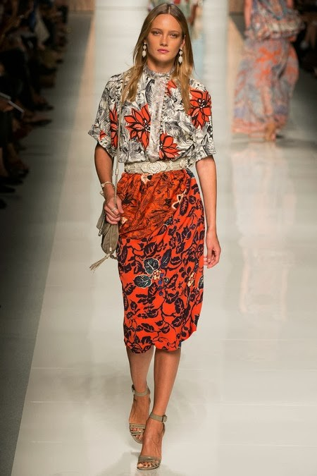 WHAT EVERY WOMAN NEEDS: How to wear orange (Etro)