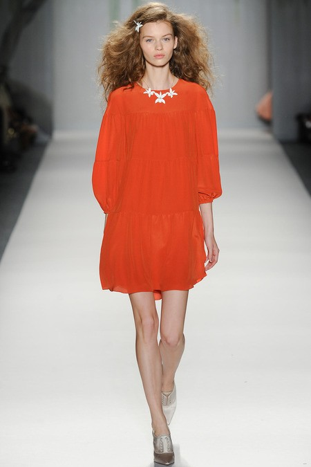 WHAT EVERY WOMAN NEEDS: How to wear orange (Jenny Packham)
