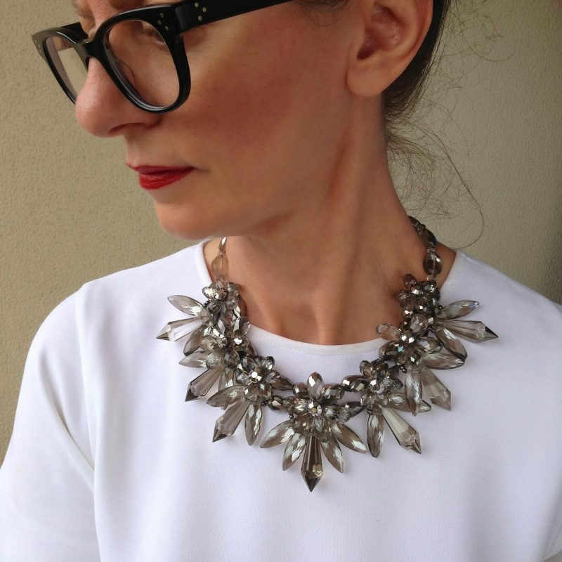 How to rock a statement necklace
